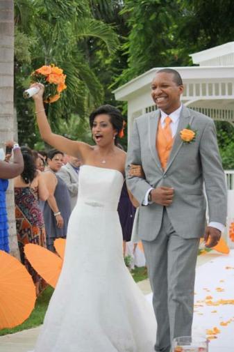 Evan Cardona - Wedding Sample - Beach Bride and Groom